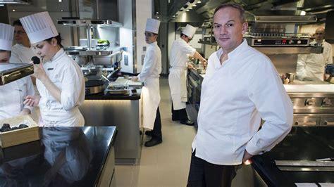 Christian Le Squer by Christian Le Squer Nomm 233 Chef De L 233 E Par Le Magazine
