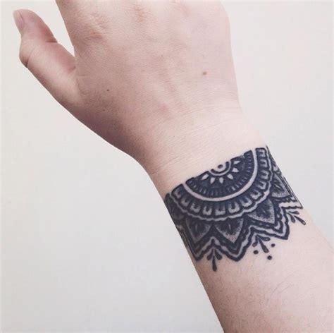 tattoo mandala band tattoo am handgelenk innen und au 223 en 26 coole motive