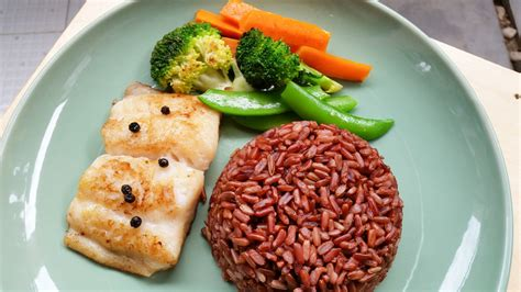 Fish Brown Rice And Vegetable Detox Diet by อาหารคล น โรงพยาบาลบางกล ำ