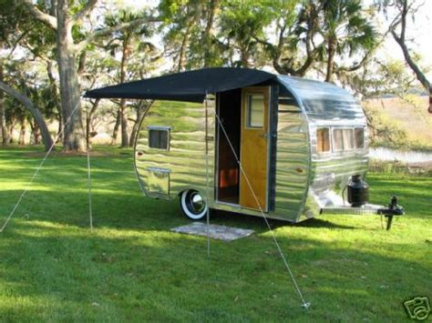 rv trailer awnings rv awnings read this before buying one rvshare com