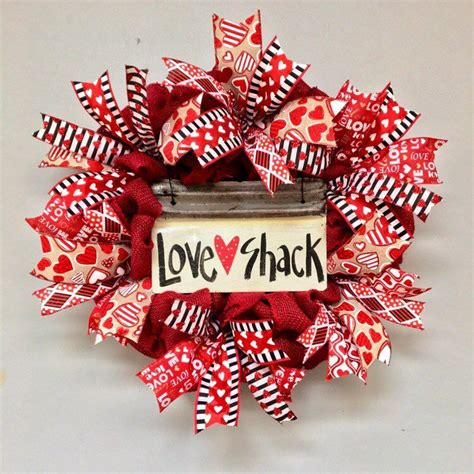 valentines wreathvalentines day signs  decor