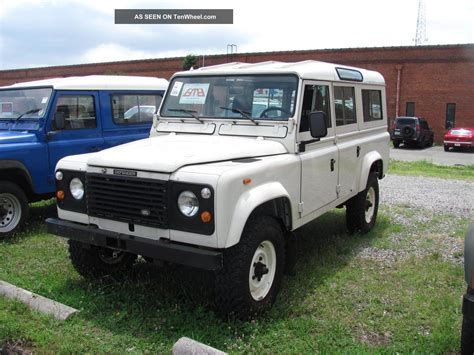 1985 land rover defender 110 pretty
