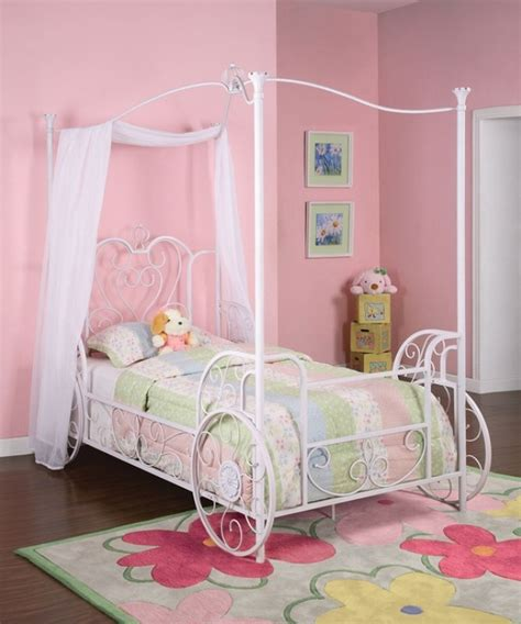 carriage bed for girl 13 cool carriage beds for little girls kidsomania