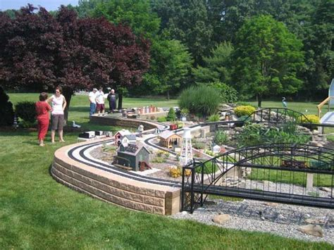 garden train layout design 1000 images about ideas for train set on pinterest
