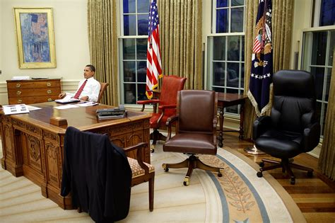Oval Office Desks File Barack Obama Trying Differents Desk Chairs In The Oval Office Jpg Wikimedia Commons