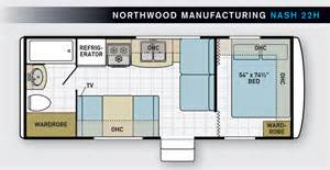 Nash Travel Trailer Floor Plans by The Nearly Queen Size Front Bed Features Storage