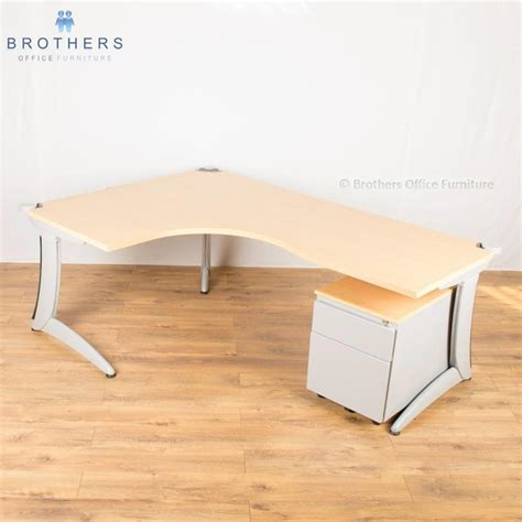Steelcase Corner Desk Steelcase Beech 2000x1400 Corner Workstation