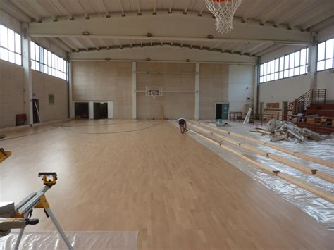 pavimento palestra pavimento in legno per palestre dalla riva sportfloors