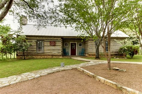 fredericksburg tx cottage rentals cozy cottage in hill country