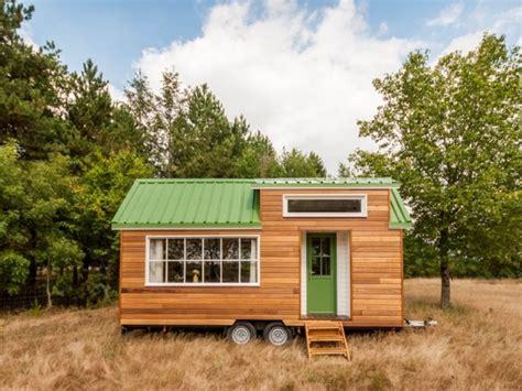 Maison Mobile En Bois by Tiny House La Mini Maison Mobile D 233 Barque En