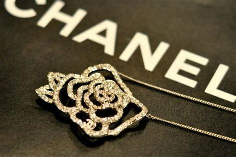 Anting Fashion Branded Chanel 2 12 most expensive clothing brands of 2013 amazing beautiful world page 11