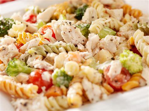 cucinare pasta fredda insalata di pasta fredda trucchi e ricette la cucina