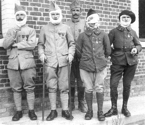 la chambre des officiers entier les gueules cass 233 es de 1914 1918 187 david brocourt