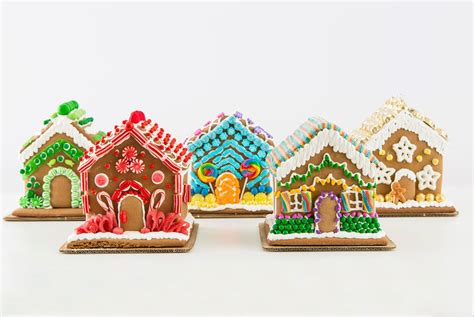 best gingerbread house 5 ways to decorate the best gingerbread house ever brit co
