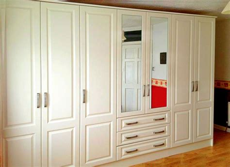 The Walk In Wardrobe Bandon by Fitted Wardrobe