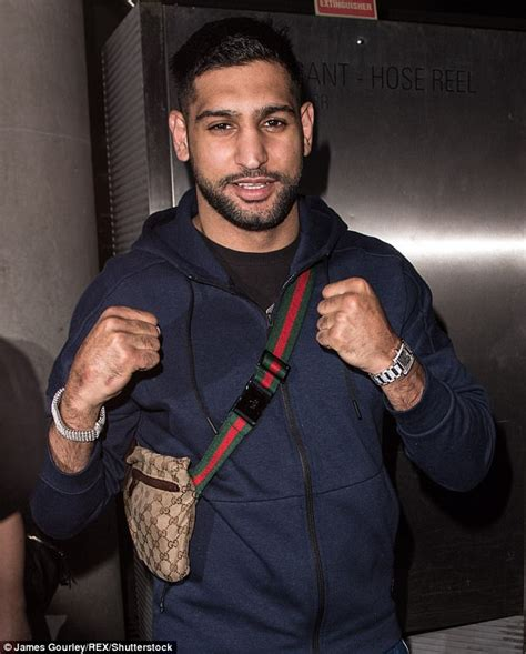 amir khan celebrity jungle amir khan arrives in brisbane ahead of i m a celebrity