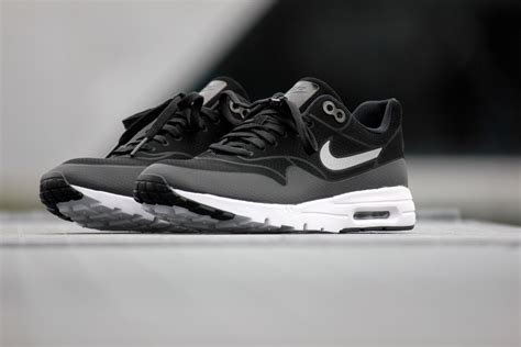 Nike Flyknit Trainer Premium Quality 1 nike white air max 1 air max 1 black and white