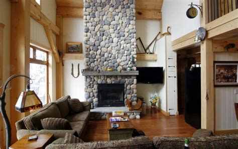 interior design for country homes piedra y madera para los revestimientos de paredes