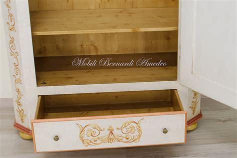 cerniere per armadi classici armadietti con cerniera armadio resina portascope il pi