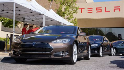 Tesla Rebate Tesla Opposes Reduced California Electric Car Rebate