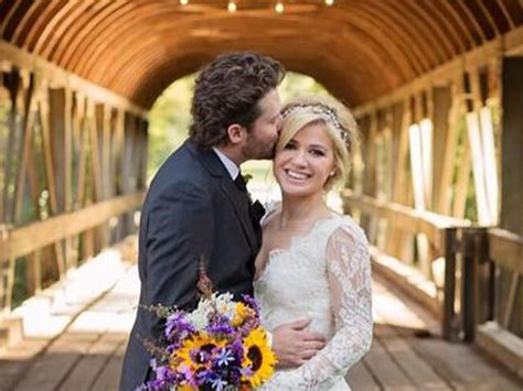 Has Clarksons Management by Clarkson Ties The Knot Tweets Photos From Tennessee