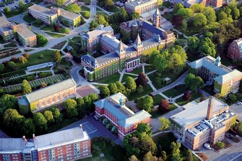 Mba Programs Worcester Ma by Holy Cross College Of The Holy Cross Profile Rankings