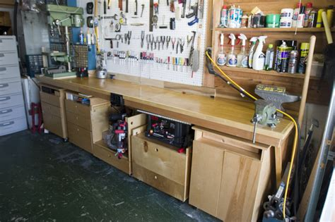 shop benches and cabinets my shop workbench and cabinets by chuck vosburgh
