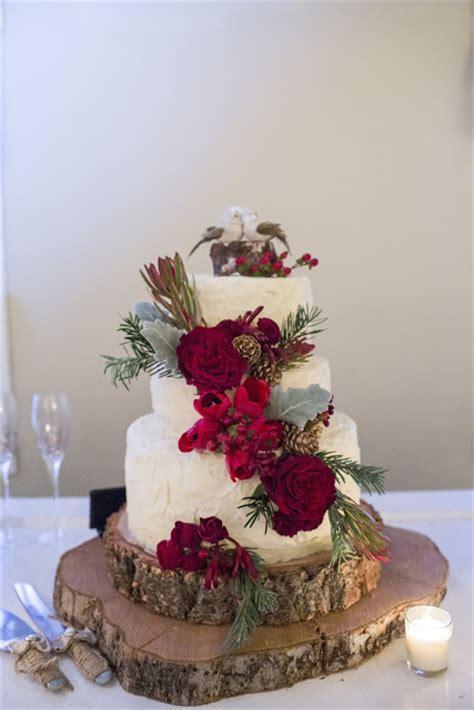 Wedding Cakes Salem Oregon by December Barn Wedding In Independence