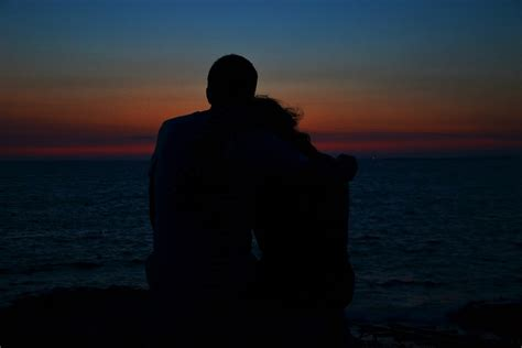 imagenes de parejas romanticas en la noche kostenloses foto sonnenuntergang paar romantik