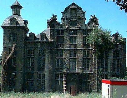 Vervallen Kasteel Te Koop Frankrijk by Belgische Kasteelverhalen Kastelen Vestingsteden
