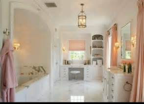 bathroom beautiful light