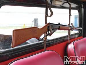 1967 datsun 520 unlucky 13 gun rack photo 3
