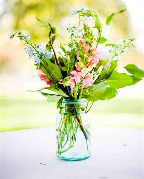 Floral Centerpieces by 39 Simple Wedding Centerpieces Martha Stewart Weddings
