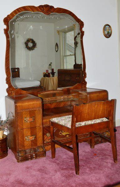 1920 Bedroom Furniture 1920 S Waterfall Bedroom Set Lot 400
