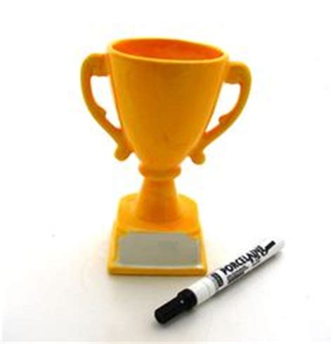 How To Make A Paper Trophy - 1000 images about diy trophy crafts on