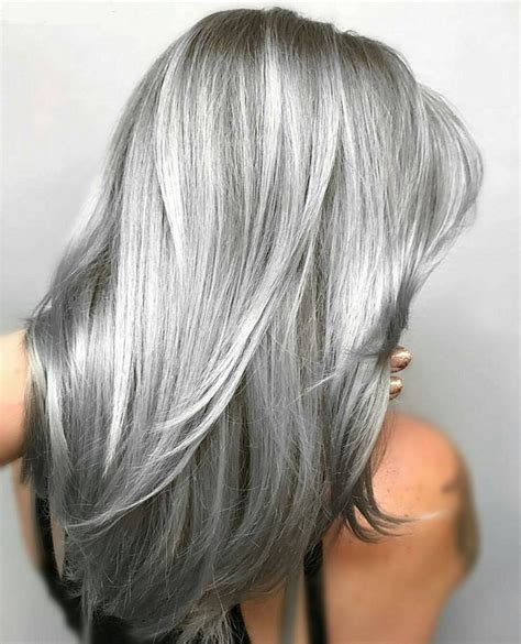 two tone highlight and lowlighting gray 25 beautiful gray hair highlights ideas on pinterest
