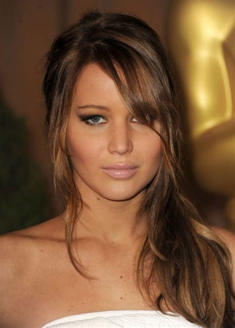 jennifer lawrence hair co or for two toned pixie jennifer lawrence goes for kardashian makeup how d she do