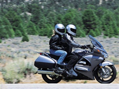 Honda St 1300 by 2011 Honda St 1300 Abs Pics Specs And Information