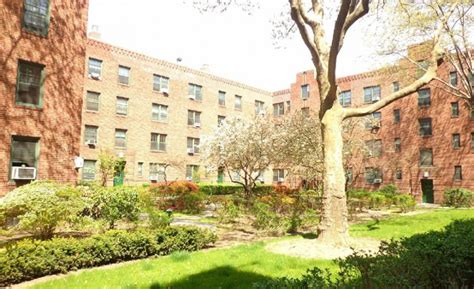 Sunnyside Gardens Apartments by About Us