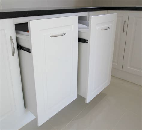 Pull Out Laundry Hamper For Cabinet   Bee Home Plan   Home decoration ideas