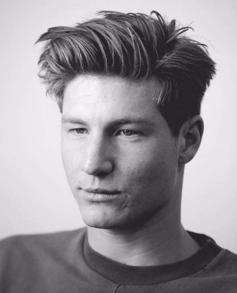 what are the beat haircuts for men with big heada 35 of the best haircuts for men with thick hair