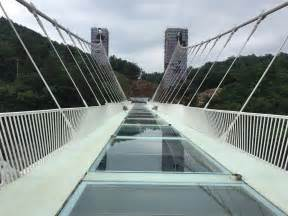 world s biggest rope swing china s glass bridge to get three swings business insider