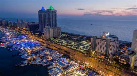 miami boat show azimut miami international boat show 2017 azimut yachts official