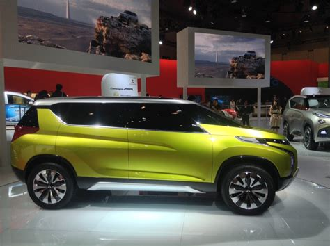 mitsubishi concept concept gc and xr mitsubishi shows face and future of