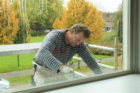 fensterbank reinigen preise f 252 r fensterb 228 nke 187 kostenfaktoren spartipps