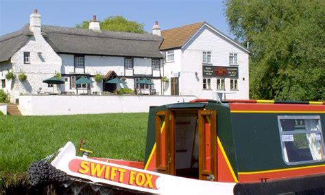 boating holidays cambridge fox narrowboats 5 surprising rewards of choosing a