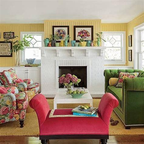 18b9b2983948be3725fcf7987cdbe138 yellow living rooms