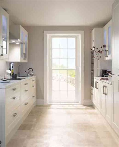 Kitchen Floor Not Level by Top Brilliant Kitchen Floor Cupboards For House Ideas