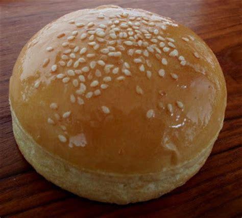 cara membuat roti burger goreng cara membuat roti burger empuk resep masakan indonesia