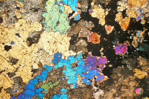 vesuvianite garnet skarn delnabo scotland thin section